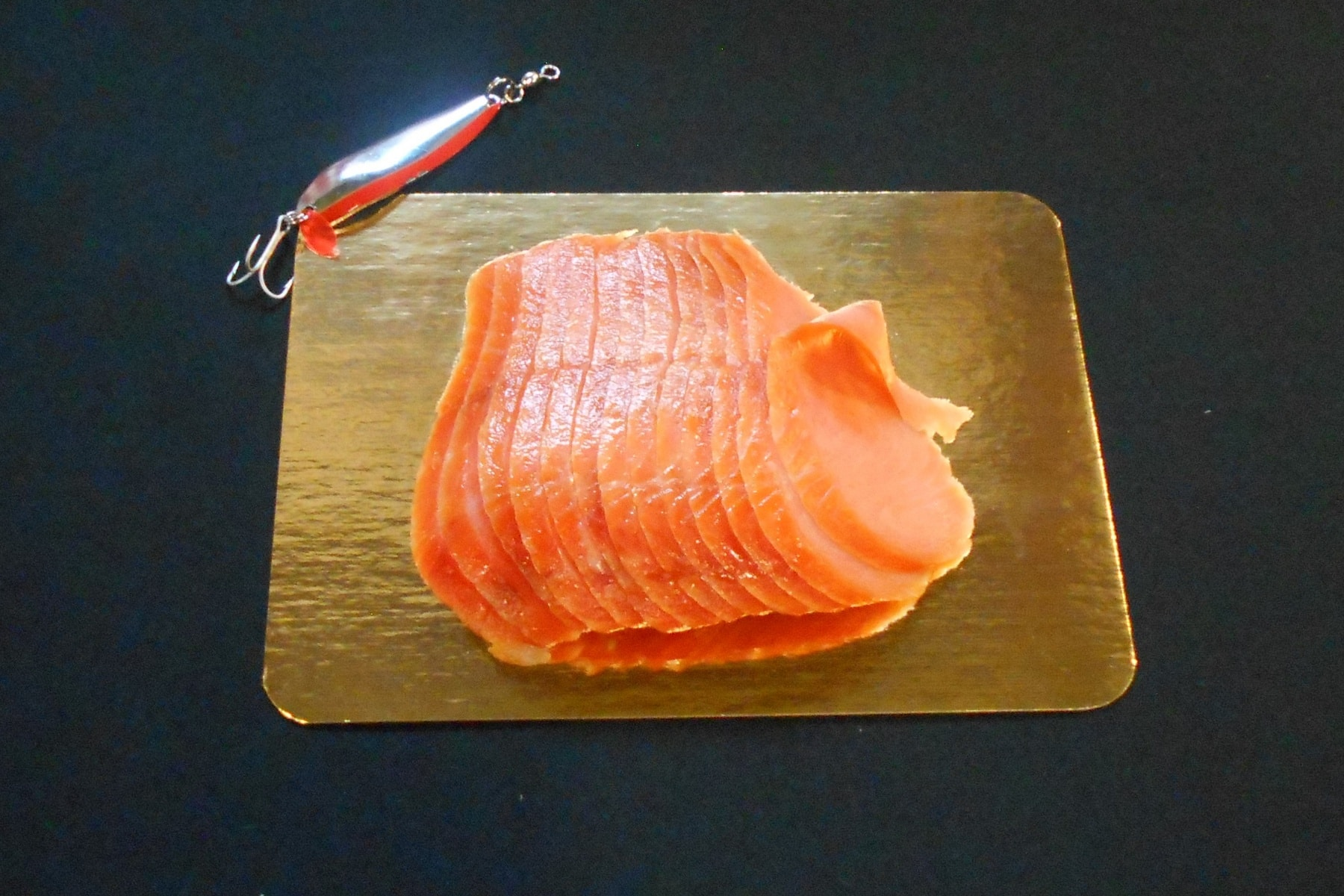 5 oz of Sliced Lox Sockeye on Gold Display Board